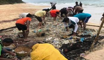 Fishermen catch big: Garbage, not fish