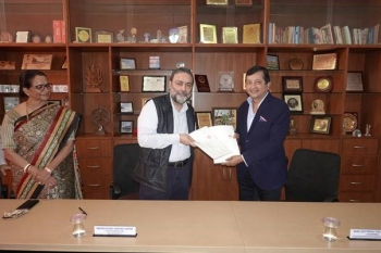 VM Salgaocar Trust, Goa University sign   MOU to fund chair on wildlife studies