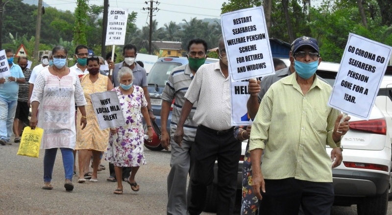 Retired seafarers hit streets in passionate plea for pension