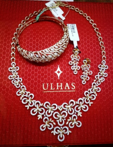 'Dussehra Sparkling Offer' at  Ulhas Jewellers great success