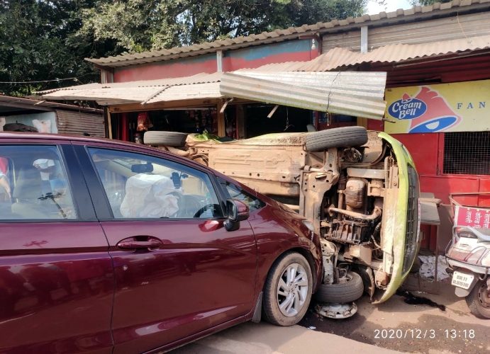 Car occupants escape in   road mishap at Naibag