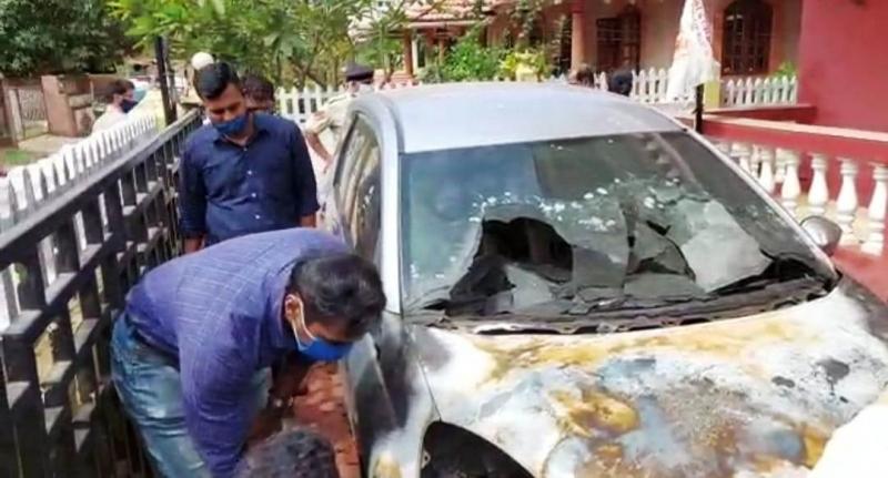Principal's car damaged, burnt at  Fatorda residence; cops clueless