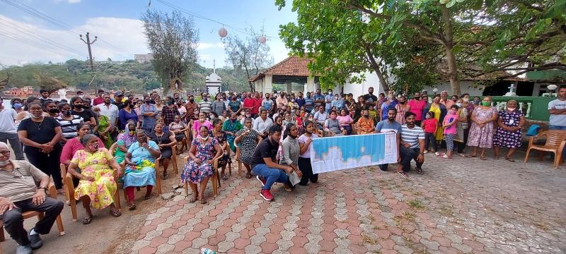 Sao Jacinto islanders protest village in MPT 'port limits'