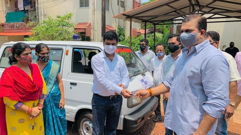 MLA donates ambulance to Porvorim health centre