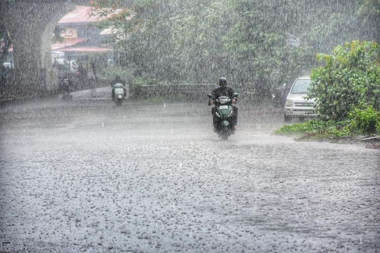 Rain picks up momentum, red alert sounded again
