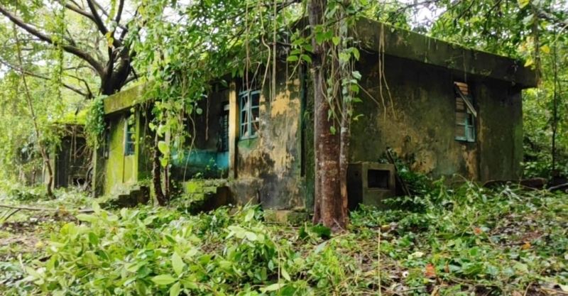 Battle for leprosy hospital land; villagers swell over police bus