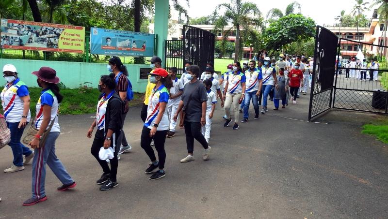 Pilar school organises 3-km brisk walk